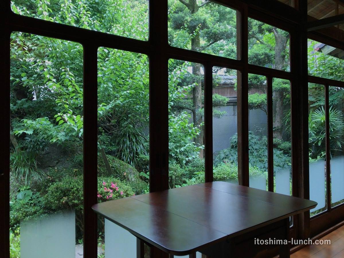 写真:伊都安蔵里 中庭の風景