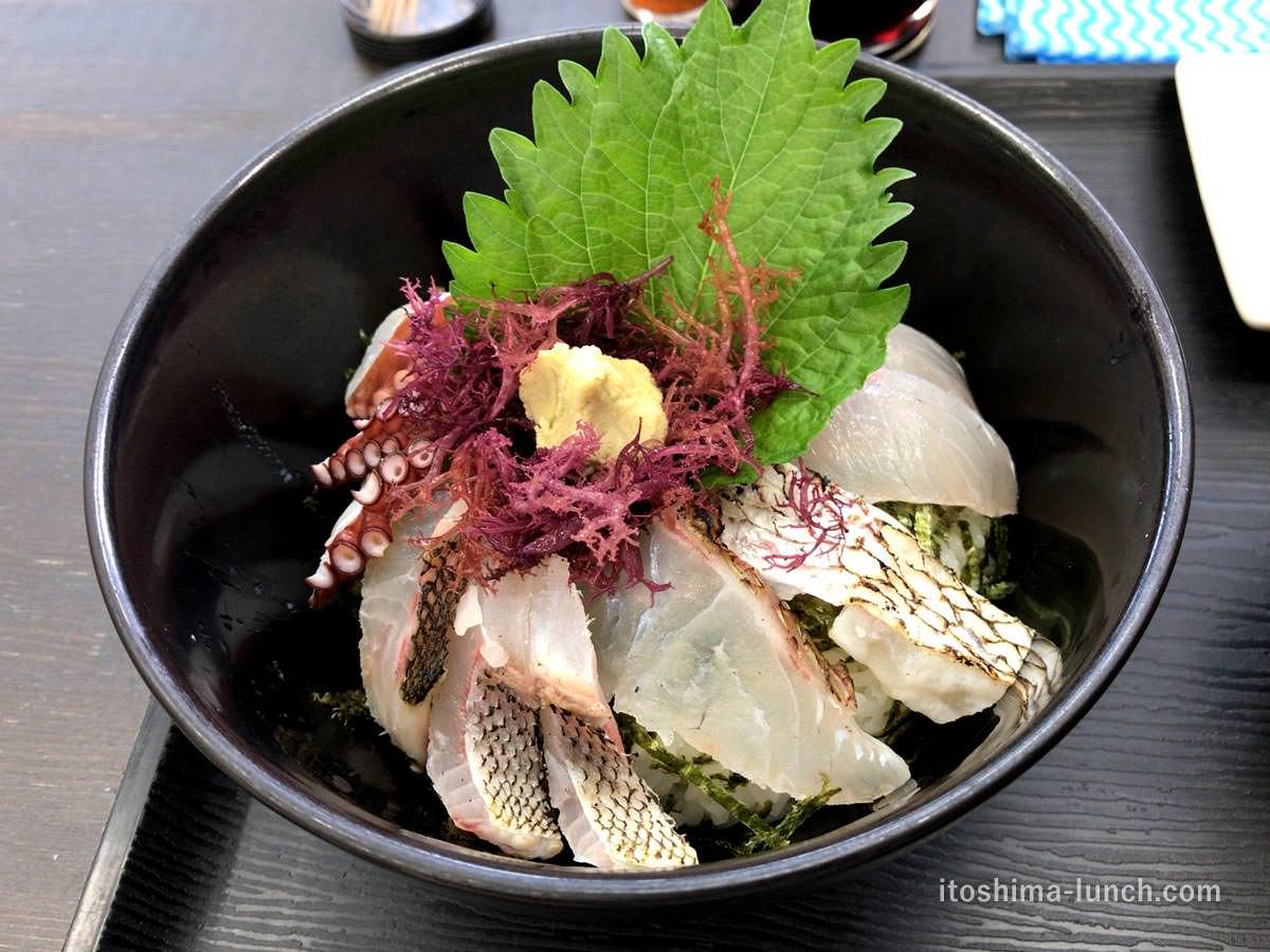 写真:志摩の四季 志摩の海鮮丼屋 究極の糸島海鮮丼